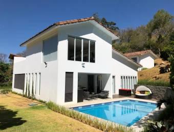 Espectacular casa en Villareal $350.000 abajo del avaluo