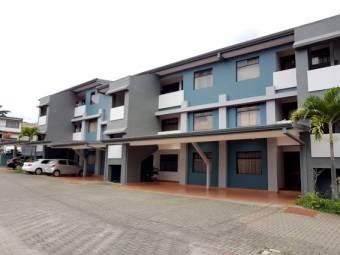 TERRAQUEA Apartamento para la venta en los Yoses Sur con 3 habitaciones