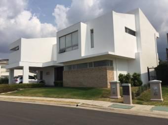 Venta de Casa Minimalista en Santa Ana Centro, Promueve CityMax