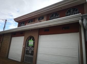 Venta de casa grande en La Trinidad de Alajuela
