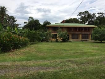 CityMax vende casa y terreno plano de 20 hectáreas en Pocora