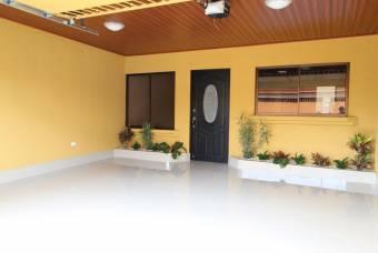 TERRAQUEA Estrene Hermosa Casa de Oportunidad en Residencial Cataluña
