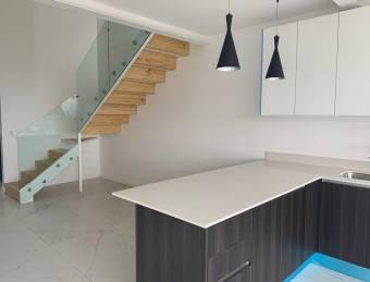 Alquiler apartamento Santa Ana - 2 cuartos a $1.500 (AV-3350)