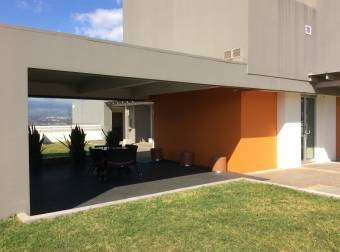 Alquiler Vistas del Robledal linea blanca Uruca $1.300 (AV-2286)