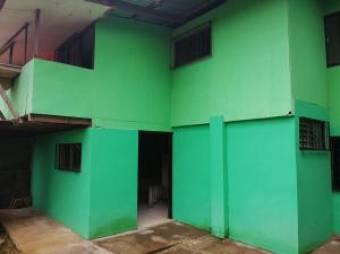 Venta estupenda propiedad con 1 casa y 2 aptos. SB Heredia #19-1247