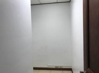 Oficina Sabana 85m2 a $1.400  IVA oficentro (O-152)