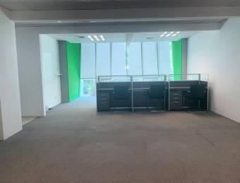 Alquiler Oficina Escazú 88m2 a $1.760  oficentro (O-685)