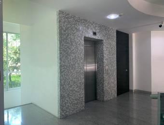 Alquiler oficina Escazú 92m2 a $1.840 (O-712)