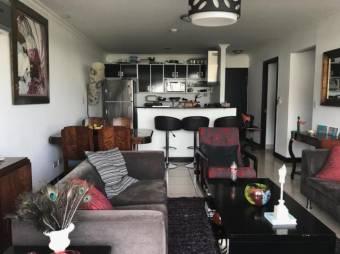 excelente apartamento en primera planta en exclusivo condominio 19-833