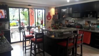 Linda casa en Cartago