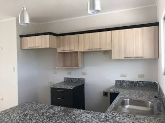 TERRAQUEA Amplia Casa de Habitación, 3 Hab y 2 Baños. Condominio Con Piscina