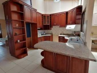 Alquiler de hermoso apartamento en Moravia #19-1416