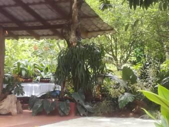 Venta de Casa ubicada en Los Lagos del Coyol con precio negociable