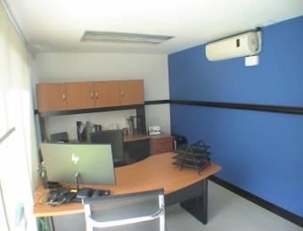 Oficina en Venta/Alquiler con Opción de Compra.