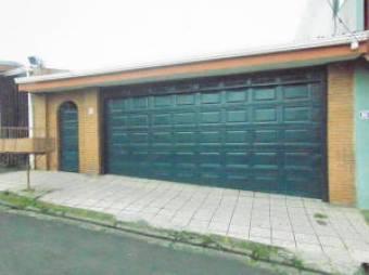 A la venta segura casa en Los Sitios, Moravia. #19-1429