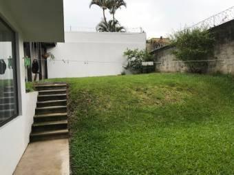 VENTA DE CASA INDEPENDIENTE  EN EXCELENTE ZONA LOS CORTIJOS SAN RAFAEL ESCAZÚ