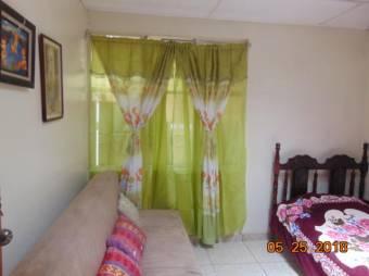 RS Vende Casa en Excelente Ubicación de Coronado Listing 19-1244