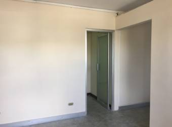 Alquiler oficina Guachipelin 30m2 a $518 (O-661)