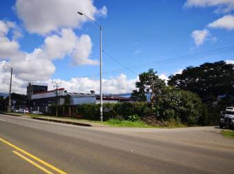 Perez Zeledon area comercial 100 mts Walmart Esquinero para desarrollo comercial