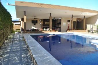 Vendo Casa en Condominio de Cartago