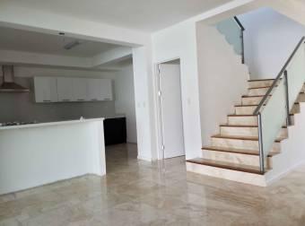 Vendo casa con acabados de Lujo en Rio Oro