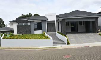 $512,000 Heredia San Rafael Concepcion Casa en Condominio 1 Nivel