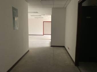 Alquiler oficina Sabana 398m2 en Oficentro (O-160F)