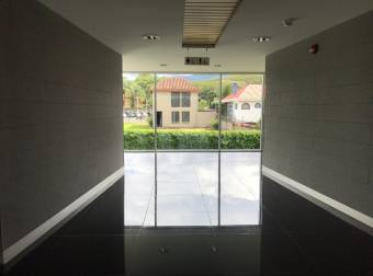 Alquiler/Venta oficina Santa Ana oficentro 113m2 (O- 639)