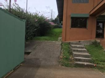 Alquillo Oficinas y bodega