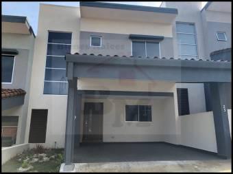 Se Alquila Casa en Condominio en Heredia Centro