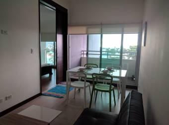 Se alquila ó vende lindo apartamento en Torre
