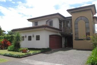 Casa en venta en Santo Domingo Heredia cerca del Mas x Menos