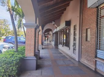 Alquilo local comercial en San Rafael de Escazú
