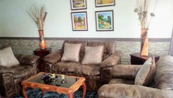 Se Vende Casa Esquinera en San Antonio El Tejar, Alajuela