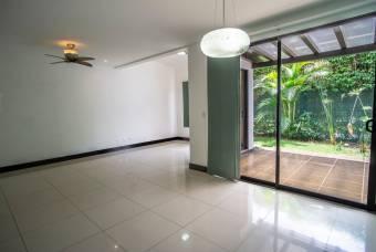 TERRAQUEA Hermosa casa en condominio PARQUES DEL SOL