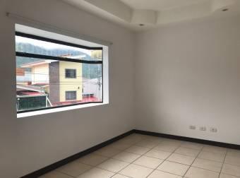 TERRAQUEA OPORTUNIDAD Amplia Casa Con 260 Metros de Construcción en Residencial Privado