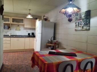 Casa en Venta o Alquiler en Alajuela Cerca de Plaza Real