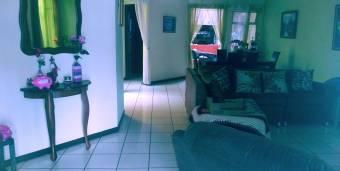 Vendo Bonita casa en Residencial La Cabaña.