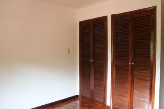 se vende casa en Ganga en San Rafael de Escazu