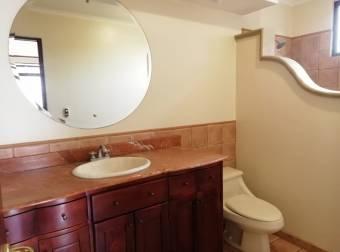 Casa de estilo colonial con 5 habs y 4,5 baños