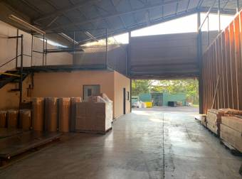 Alquiler bodega Santa Ana 610M2 a $3.600 (B-1431)