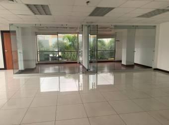 Alquiler oficina 472m2 a $8.968 en oficentro (O-519A)