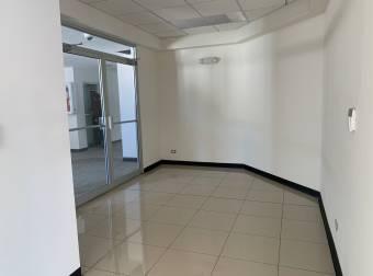 Alquiler oficina 308m2 a $5.854 oficentro (O-525)