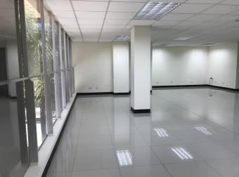 Alquiler Oficina en oficentro 144m2 a $2.556 (O-513)