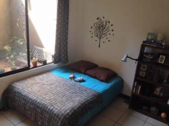 hermoso Apartamento ubicado en 1er piso, espacioso, con buena distribucion 19-260
