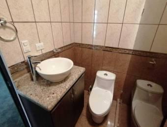 Amplio y espacioso hogar  con inigualable tranquilidad en la mejor zona de Ayarco, 19-1227