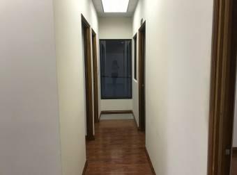 Alquiler bodega con oficinas 824m2 a $7.793 (B-1508)