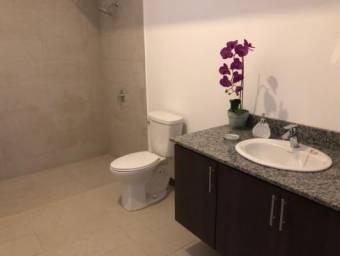 TERRAQUEA Preciosa y contemporánea casa de 1 planta en bello Condominio