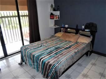 Hermoso y amplio hogar en venta, con acabados de gustos exquisitos y excelene ubiacion 19-870