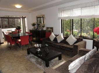 TERRAQUEA Casa en venta en Guachipelin. 3 habitaciones, terraza y patio